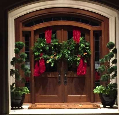 Home Holiday Entrance Design